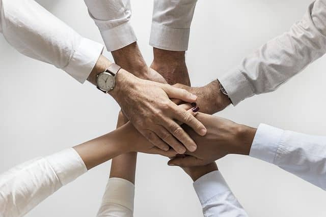 Fiducia e cooperazione umana